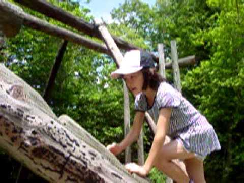 宝塚自然の家で子供たちとアスレチック