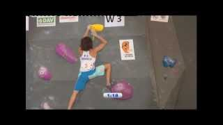 preview picture of video 'IFSC Climbing World Cup Munich 2012 - Bouldering - Replay Finals'