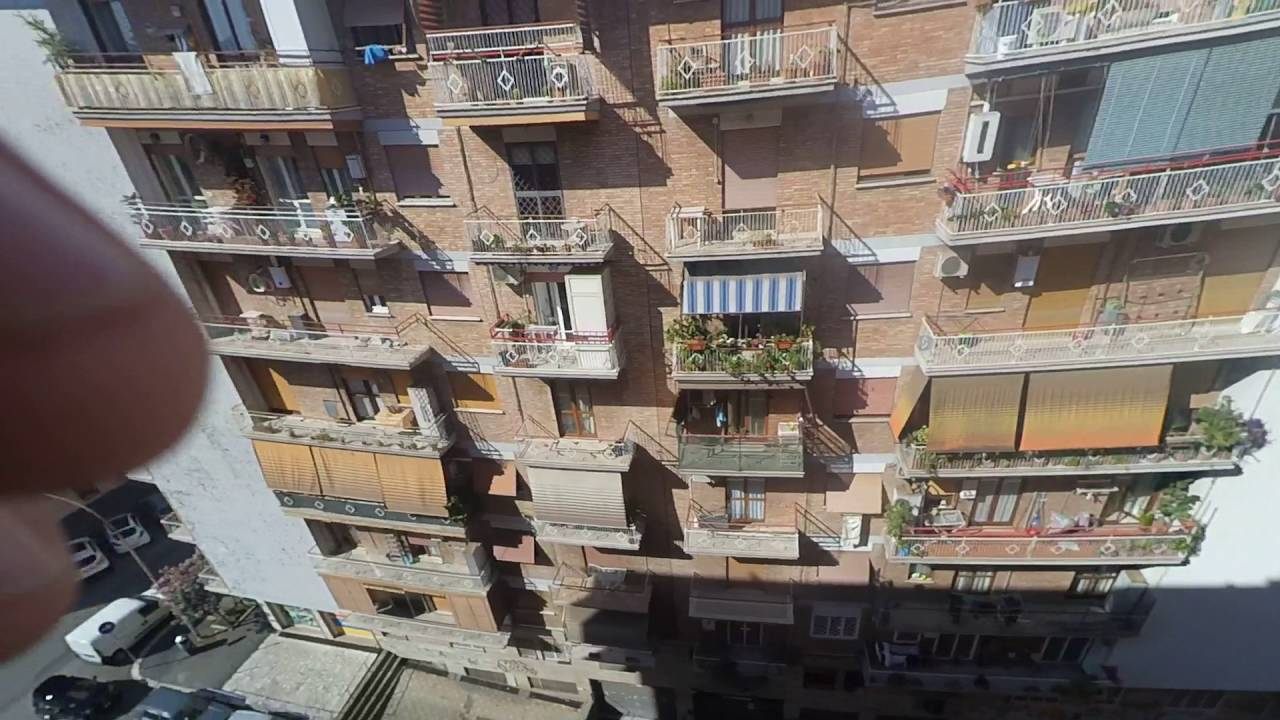 Double Bed in Rooms for rent in 3-bedroom apartment with AC and balcony - Tuscolano