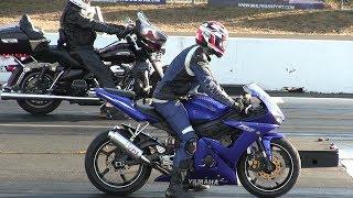 Harley Davidson vs Sportbikes-drag racing