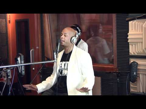 James Fortune & FIYA – Hold On (UNPLUGGED VIDEO)