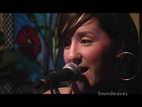 """Oh Nashville"" - Rebecca Correia on Soundwaves"