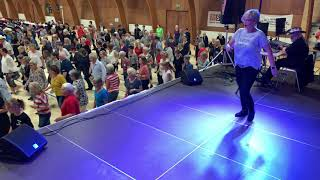 EVERYBODY'S GONNA DANCE   LINE DANCE (Mai 2019) Denmark