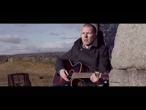Gary Quinn - He Dont Show Her Anymore (Official Music Video)