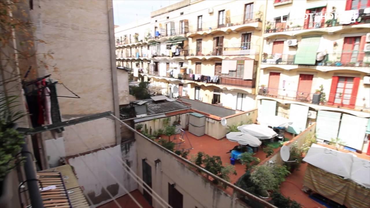 Bright 2-bedroom apartment with balconies in El Raval, close to Las Ramblas