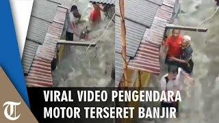 Viral Video Motor Terseret Derasnya Arus Banjir di Pasar Minggu, Warga: Awas awas Tahan