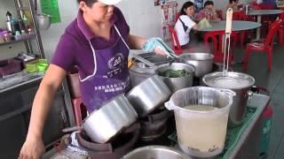 preview picture of video 'Pan Mee, P1, Kafe Teen, Ipoh Garden, Food Hunt'