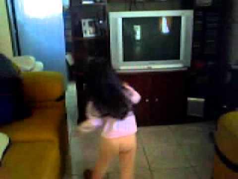 dudinha dançando a dança da pororóca
