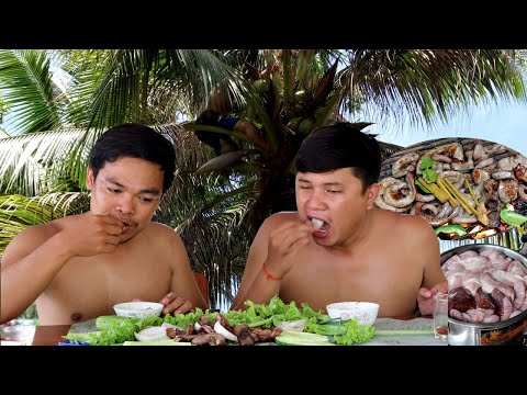Amazing Cooking Recipe – Grilled Pork Intestines, Stomach Being Cooked On Fire