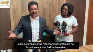De CEO van Zap samen met onze CEO van Victoire cosmetics. Een leuke shout out dat wij als enige vert