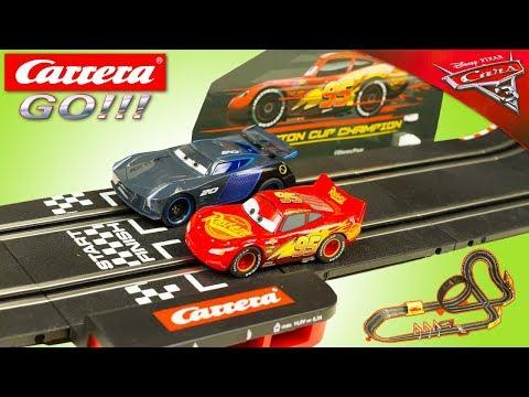 Circuit de voiture Carrera Fast Friends : Cars 3