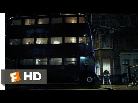 ナイト・バス(騎士バス)で漏れ鍋に向かうハリー