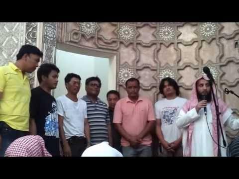 مشهد مؤثر لإسلام سبعه اشخاص