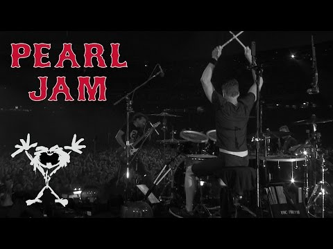 "Matt Cameron - ""Grievance"" by Pearl Jam"