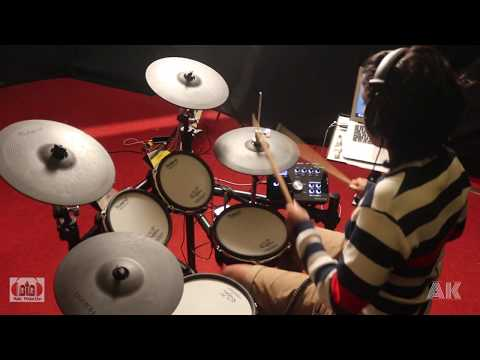 girl drummer-  drum cover- bon Jovi- its my life