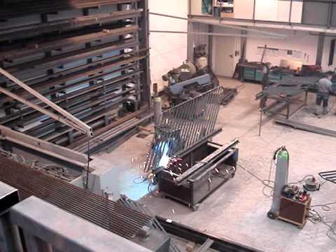 Metallbau Rank GmbH - 65191 Wiesbaden Clip # 4 Produktion Treppenhausgeländer, Stahlregal