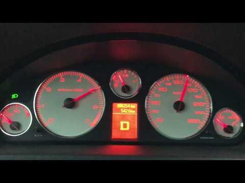 Der Wagen jene gruschenaja vom Benzin 130 wollte umgehen, zuzuhören