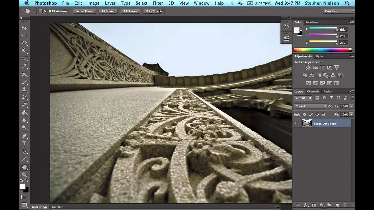 Photoshop CS6 Will Easily Fake A Shallow Depth Of Field
