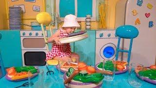 "Stacy plays in the amusement park ""Il mondo di Peppa Pig"""