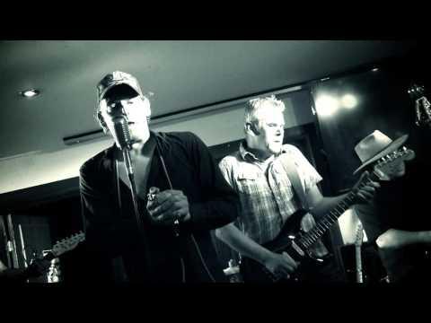 Mike's Electric Mud hoofdact tijdens bluesavond op podium van De Meerpaal