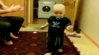 Самый угарный ролик! Детишки танцуют лезгинку на публике!!! Children dancing in public!