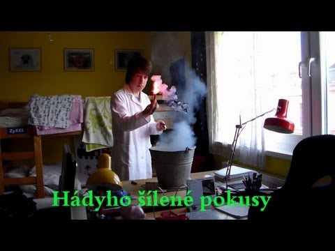 Výbuch petardy v domě - Hádyho Šílené Pokusy