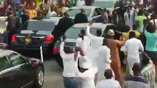 Supporters mob Buhari's car