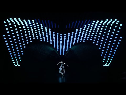 This Kinetic Light Dance Is Outstanding!