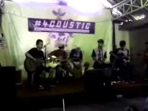 Teletubbies Horny live perform di #4CCOUSTIC @AreaCowboy 27-10-2013