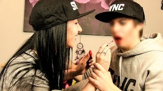 GIRLFRIEND DOES MY MAKEUP!!! 👫 *GOES WRONG*
