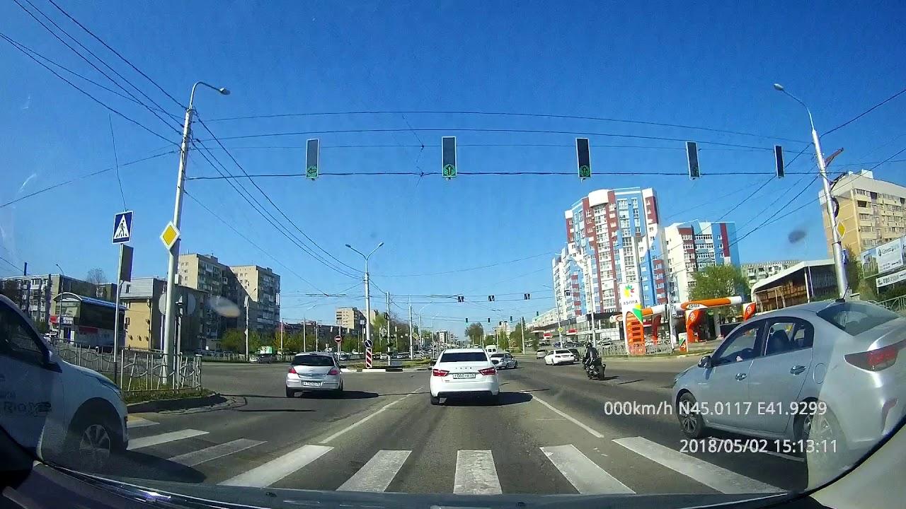 """Байкер врезался в """"Газель"""" в Ставрополе"""