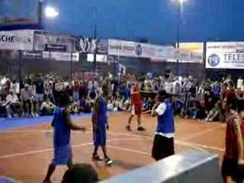Sportarena 2K8 Troy McRay streetball facial alley oop dunk