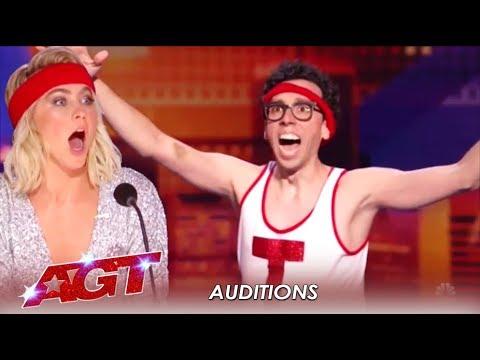 Jonathan Burns: Comedian, Cortortionist and AWKWARD! LOL! | America's Got Talent 2019 (видео)