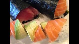 サラダ溢れる…w 採れたて野菜だから新鮮で美味しー!!😆 キウイもあったのでイン☝ 先日富良野で買った 人参ドレッシングもあうあう👍👍 #日曜日#休日#朝食#Breakfast #salad