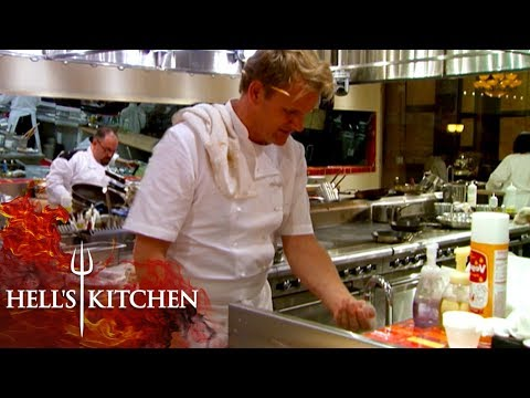 Chef Burns Gordon Ramsay TWICE   Hell's Kitchen