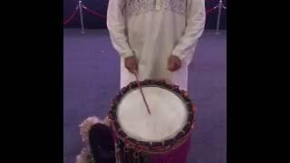 Singer Abhijeet Bhattacharya is Playing Dhak width Dhakis