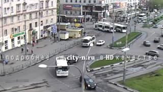 """Очередная """"битва титанов"""" на привокзальной площади в Новокузнецке"""