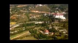 preview picture of video 'FLIGHT TO PARO, BHUTAN'