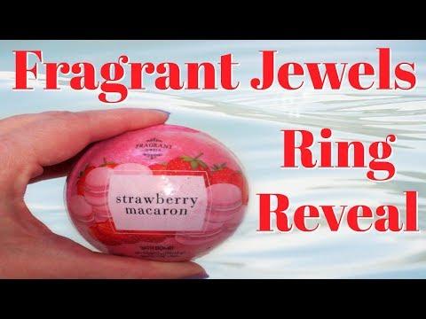 Fragrant Jewels Ring Reveal - Strawberry Macaron Bath Bomb!