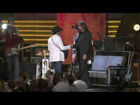 George Strait singing Boot Scootin' Boogie (HD) - Brooks and Dunn ACM Last Rodeo
