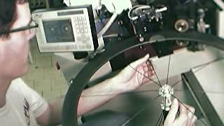 Bicycle wheel lacing machine Carbon rim