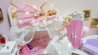 Barbie Twins Bunk Bed - Pink Bedroom Morning Routine and new dresses