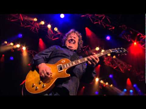 Gary Moore - Parsienne Walkways  Live Montreux 2010..RIP...the last and the best version    RIP Gary