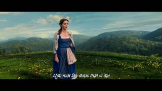 Beauty And The Beast - Emma Watson sings 'Belle' (Litte Town) song