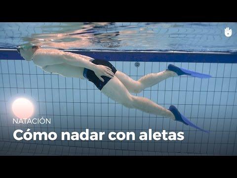 Cómo nadar y bucear con aletas | Miedo al agua