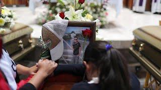 Мексиканцы прощаются с жертвами взрыва на трубопроводе…