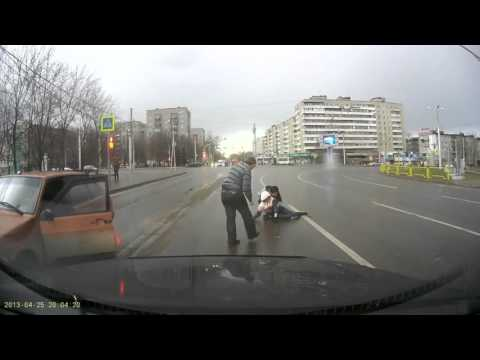 Авария #124 сбил велосипедиста на пешеходном 25 04 2013
