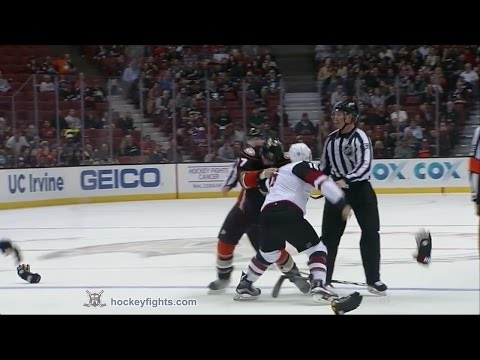 Ryan Kesler vs. Max Domi