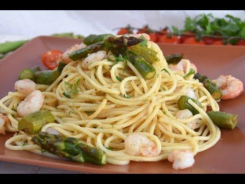 Espaguetis con espárragos y gambas/ RECETAS SALUDABLES DE PASTA