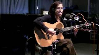 "Ani DiFranco Performs ""November 4th, 2008"" Live on Soundcheck"